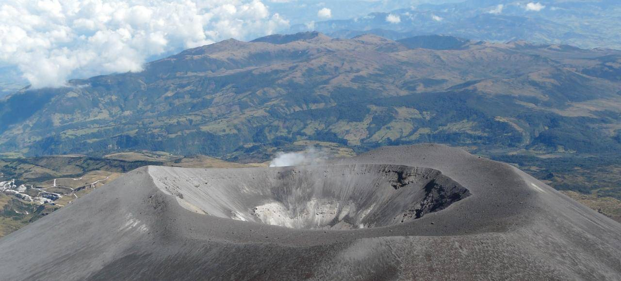 24 volcan purace